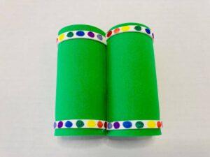 How to Make Toilet Paper Binoculars (1)